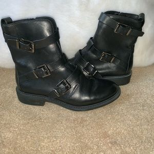 Vince Camuto Black Leather Ankle Boots Size 6.5